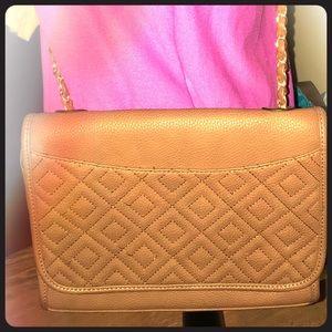 Taupe(ish) NWOT quilted shoulder bag.